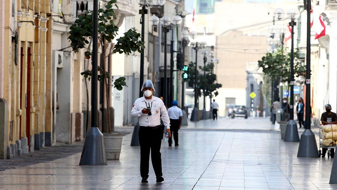 Toque de queda será desde las 2:00 a.m. hasta las 4:00 a.m., anuncia ministro de Salud