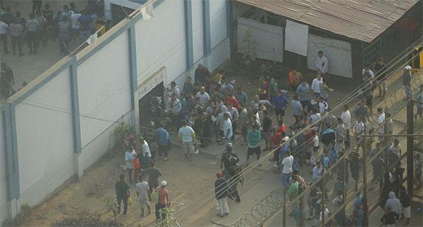 Ayacucho: Presos del penal de Yanamilla protestaron por temor a un eventual contagio de coronavirus.
