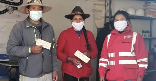 Apurímac: entregan más de 685 cheques a posesionarios de terrenos del Corredor Vial Sur