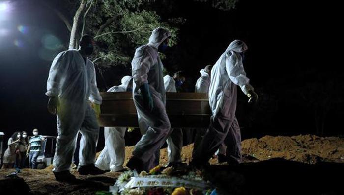 Brasil: bordea los 13 millones de casos de coronavirus en el peor momento de pandemia