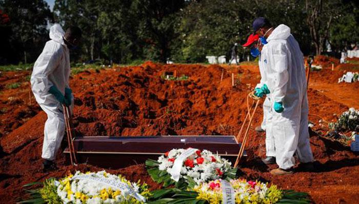 Brasil roza los 14 millones de casos por coronavirus y camina a las 375.000 muertes