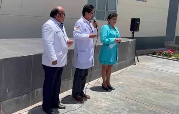 Médico Carlos Monteagudo asume cargo como nuevo director de Essalud Apurímac