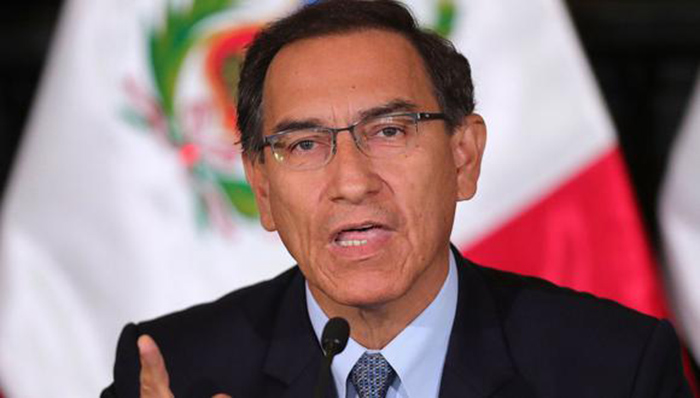 Juicio político a Vizcarra eclipsa combate a la pandemia en Perú