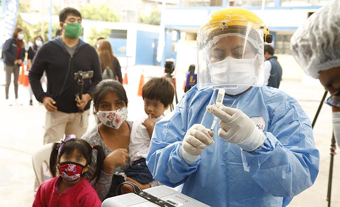 Mazzetti: personal de salud tendrá prioridad en primera vacunación contra covid-19