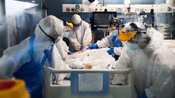 Minsa reporta 241 fallecidos y más de 1 800 casos de la Covid-19 en el último día