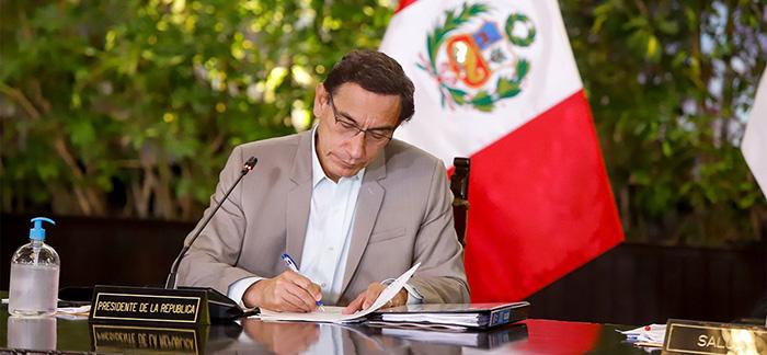 Martín Vizcarra promulgó la Ley del Libro que fomenta el derecho a la lectura