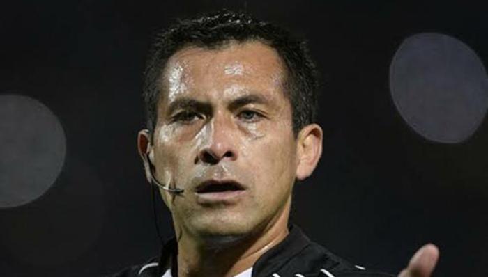 Perú vs Brasil: arbitraje de Julio Bascuñan genera polémica
