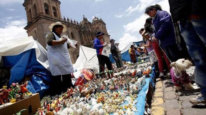 Cusco: recomiendan no realizar tradicional feria del Santurantikuy