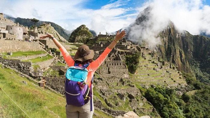 Gobierno declara días no laborables para impulsar reactivación y promoción del turismo