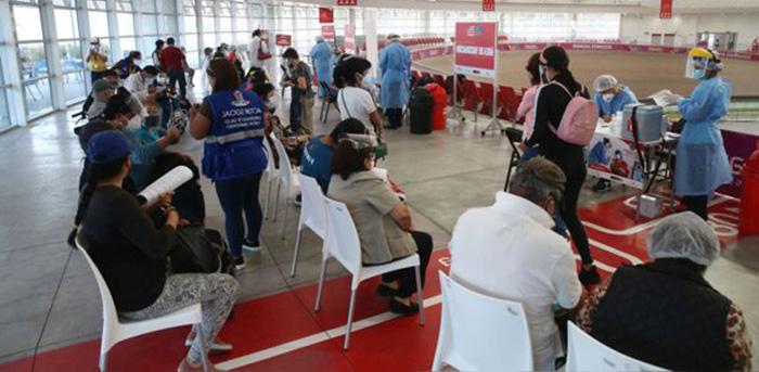 Ministro de Salud reitera que hasta julio se habrá vacunado a 5 millones de peruanos