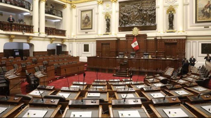 Comisión de Constitución del Congreso aprueba insistencia de autógrafa de ley sobre cuestión de confianza