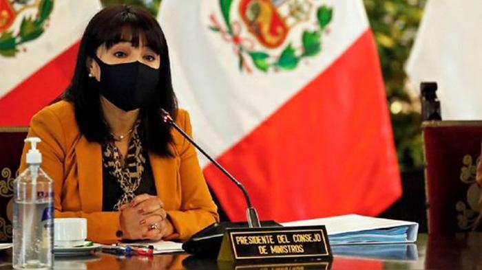 Mirtha Vásquez: insistencia a cuestión de confianza podría alterar balance de poderes
