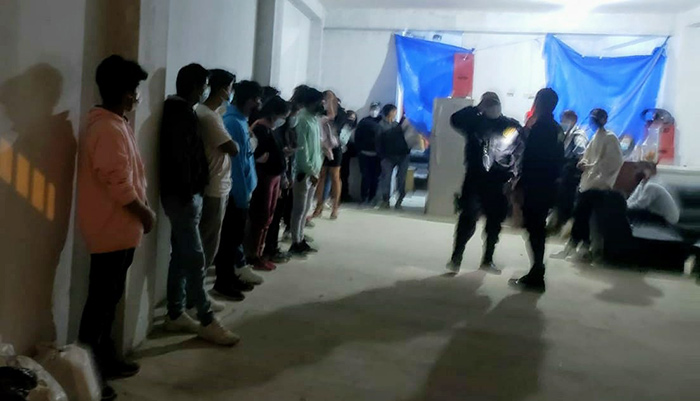 Cerca de 60 covidiotas intervenidos en bares y discotecas de Abancay