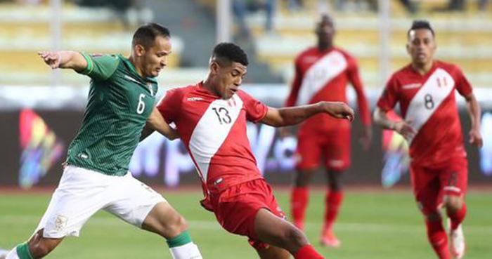 Perú luchó hasta el final, pero cayó 1-0 ante Bolivia en La Paz