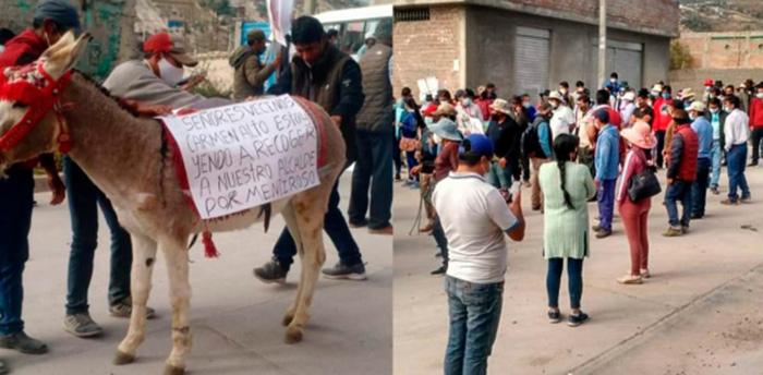 Ayacucho: pobladores del distrito de Carmen Alto pretenden sacar en burro al alcalde