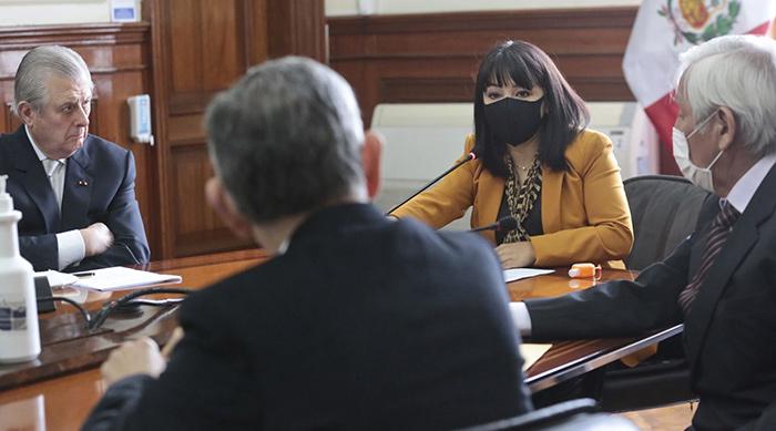 Mirtha Vásquez lideró instalación de comisión para renegociar contrato de gas de Camisea