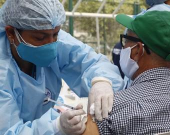 Colegio de Biólogos rechaza información difundida sobre vacunas Sinopharm