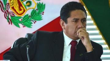 Comandante de la PNP afirma que Vladimir Cerrón no tiene ningún impedimento de salida del país