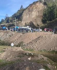 Cusco: registran deslizamiento de tierra que bloqueó tramo de la carretera interoceánica