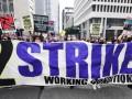 EE.UU.: trabajadores frustrados y cansados protestan tras sus esfuerzos durante la pandemia