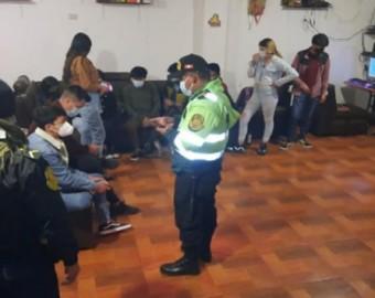 35 covidiotas son intervenidos en varias fiestas organizadas en distrit de Uripa