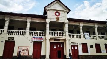 Municipalidad de Andahuaylas adjudicó obras en colegios a postor que no acreditó requisitos