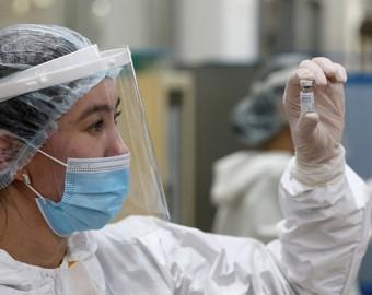 Rusia y China acuerdan la producción de más de 100 millones de dosis de Sputnik V en el país asiático